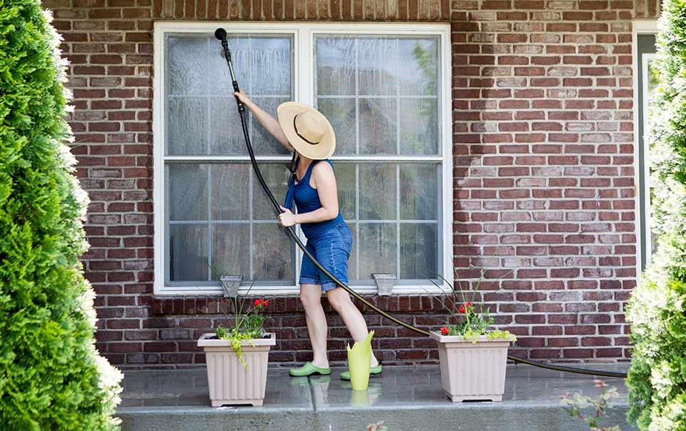 Summer Maintance window washing